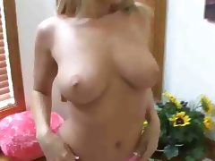 Carolynn Reese Handjob