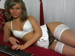 Blonde delights of web cam