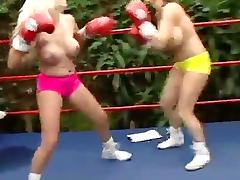 Summer vs. - Topless Boxing Big Boobs