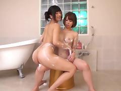 Japanese Lesbians, Ayumi