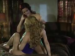 Hot Redhead Munches Yummy Blond (lesbian)