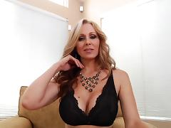 Blue eyed milf Julia Ann gives an arousing POV handjob