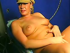 Hardcore masturbation video with chubby blonde milf