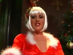 Elf Sandra gets her cunt and butt slammed in MMF threesome