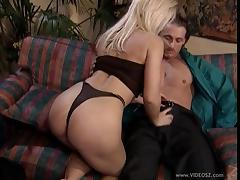 Milf chick Dolly Golden gets fucked in a hot blowjob and bang action