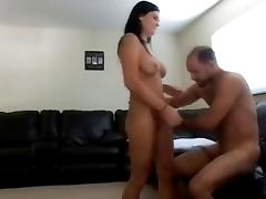 I give a facial to brunette amateur bimbo after fucking