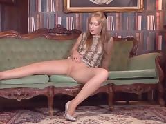 not mother Masturbation in sheer tights D10