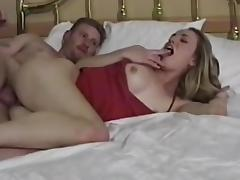 Amateur slut gets huge creampie inside her pussy