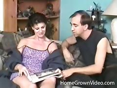 Amateur milf gets a cumshot after a long hard fuck
