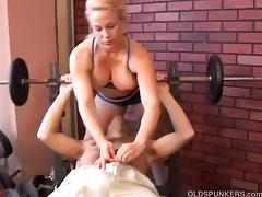 Super sexy mature blonde enjoys a facial cumshot