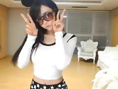 Super cute Korean girl sexy dance on Webcam Korean BJ 2014110301
