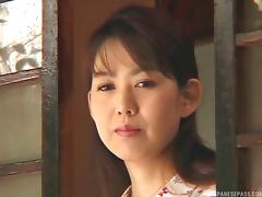 Traditional mature Japanese woman is desperate to give a blowjob