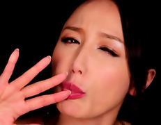 Glamour babe Sayuri Honjou sucks cock with intense passion