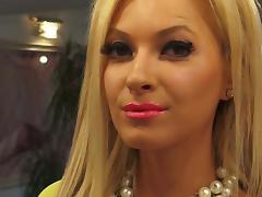 Blonde Glam Tease Long Nails