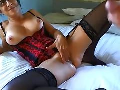 mature en guepiere tres sexy