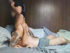 Tattooed fatty sucking and fucking her boyfriend on webcam