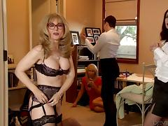 Stunning mature blonde in lingerie in a hot behind the scenes video