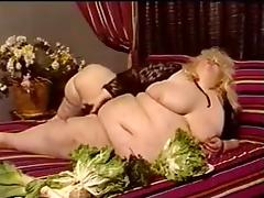 Fat Whore Gets a Facial