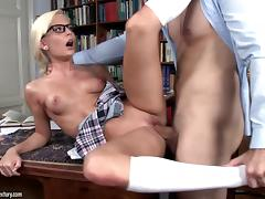 Candee LiciousLet me clean your glasses! Video