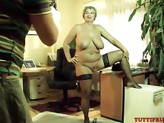 Mature slut on porn casting