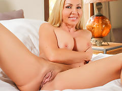 Lisa Demarco in Measure Up - PureMature Video