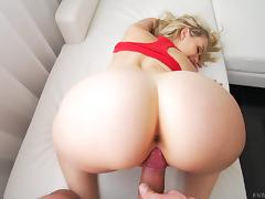 Blonde shows off her flexibility getting fucked in different positions