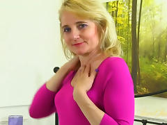Isabella Diana in Masturbation Movie - AuntJudys