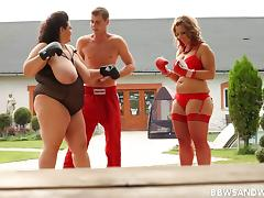 Boxing BBWs have a threesome outdoors with a horny guy