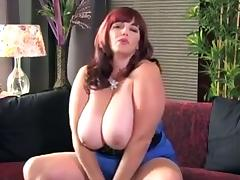 Lady shows all 123