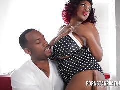 Jovan Jordan Teaches Big Boob Waitress a Lesson