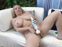 Maggie Green in Toys Movie - AuntJudys
