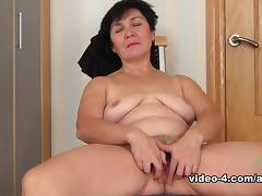 Aged, Aged, Brunette, Hairy, Masturbation, Mature