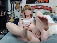 Red Head Feet