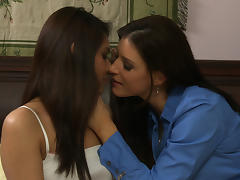 India Summer & Eva Fenix in Lesbian House Hunters #07, Scene #03