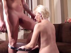 Stud suckles her clits erotically then bangs the horny woman roughly to strong bliss