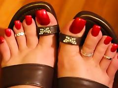 HALLOWEEN RED TOENAILS