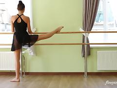 Stunning ballerina enjoys doing practice in the nude