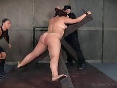 Big beatuiful sex slave crucified for a kinky erotic game