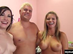 Fat guy gets lucky by pounding two smokin' hot babes