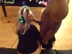 Gamer Girl Sucking BBC