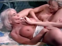 Horny Fuck Sluts Use Their Tongues On Lesbian