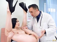 tattooed brunette babe marley brinx deepthroats doctor