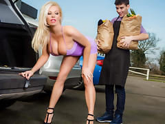 Michelle Thorne & Jordi El NiГ±o Polla in Sneaky Slut Bags The Scoundrel - Brazzers