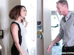 Kendall Kross seduces a handsome photographer for a fuck