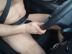 Naked driving and jerking in car Wichsen im Auto