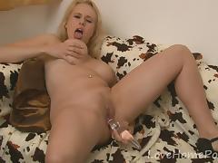 Lusty blonde girlfriend drills her trimmed wet pussy