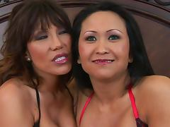 Hoe Kitty Langdon sharing a huge schlong with her slutty friend