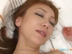 Skinny Milf Fingered By Guy Giving Blowjob Fucked On The Bed