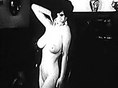Busty MILF Shows Her Filthy Body 1950 porn video