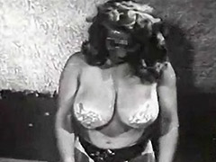 Sexy Blonde with Nice Muscles 1950 porn video